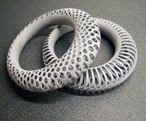 Polyoptic Bangle 3D printed in Alumide