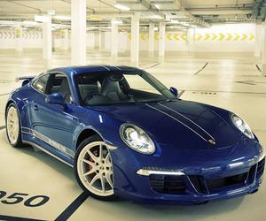 Porsche 5 Million FB Fans 911