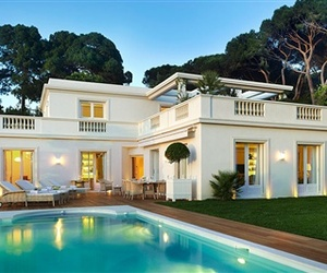 Private Villa Access at Hotel du Cap-Eden-Roc