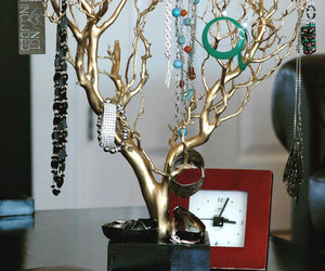 Quality Jewelry Trees