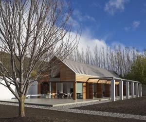 Queenstown House by Bedmar and Shi