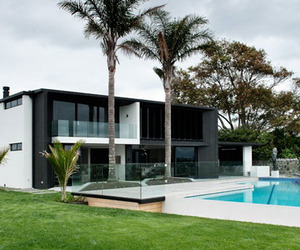 Quiet Sophisticated House in Auckland, New Zealand