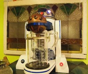 R2-D2 inspired home décor for Star Wars fans