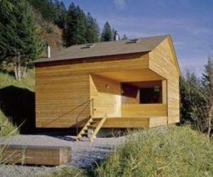 Rageth Alpine Hut