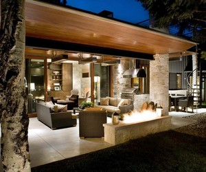 Ranch home in Aspen by Rowland+Broughton Architecture