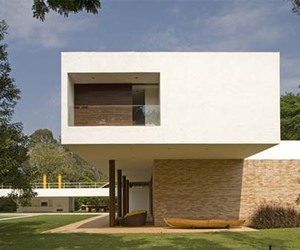 Lake House in Brazil Designed by Isay Weinfeld Architects