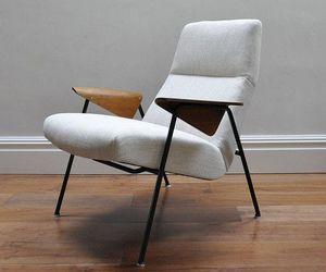 Re-upholstered Arno Votteler 350 chair (1952)