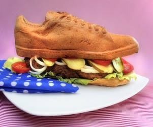 Ready to Eat: Shoe Burger Made with 3D Printing