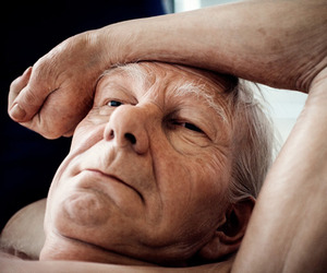 Realistic Human Sculptures by Ron Mueck