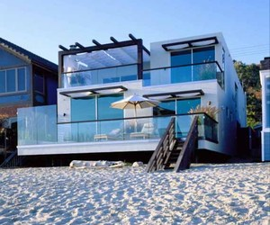 Remodelling Beach House In Malibu