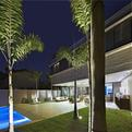 Residence in Belo Horizonte by Anastasia Architects