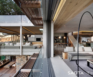Restful natural scheme for Cape Town beauty