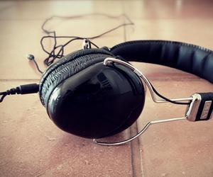 RHA SA950i Headphones