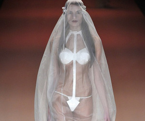 Risque Wedding Gown debuts at Berlin Fashion Week