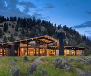 Riverbank House by Balance Associates