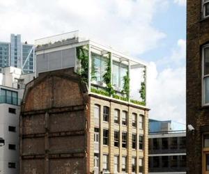 Roof Garden Apartment byTonkin Liu