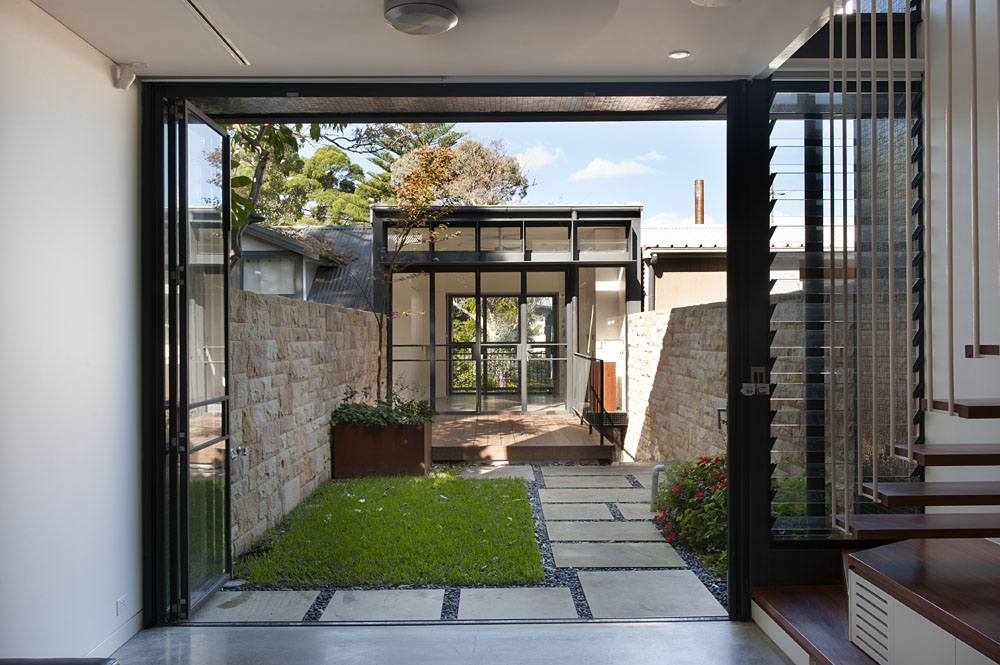 Rozelle terrace house by carter williamson architects for The terrace house book