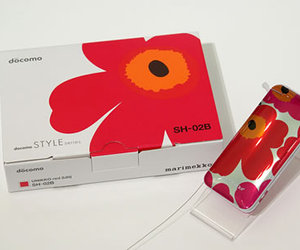 S-02B marimekko : marimekko Mobile by SHARP