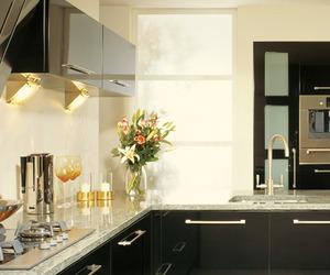 Seamless cabinet doors