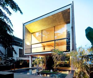 Sentosa House by Nicholas Burns