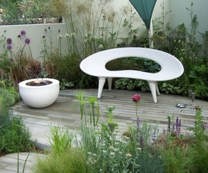 Shell Bench by Urbis Design