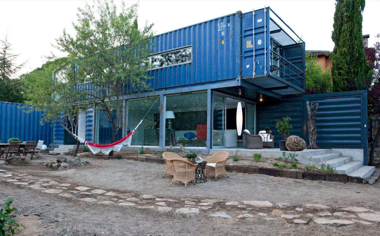 Shipping container house - Homes made from shipping containers ...