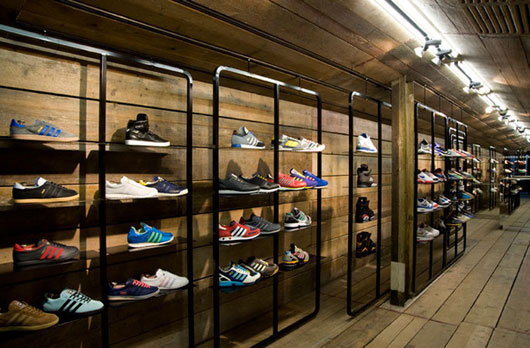 Dune Catwalk shoe store by Four-by-Two