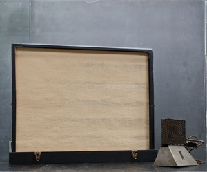 Silent Movie Pop-Up Screen in Travelling Leather Wood Case