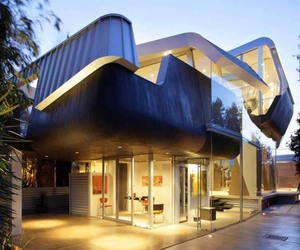 Skywave House, A Unique Undulating Form | Anthony Coscia