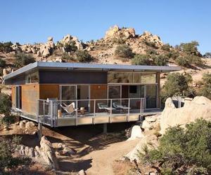 Sleek modular dwelling by o2 Architecture