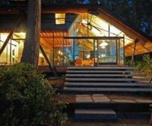 Snee Oosh Cabin