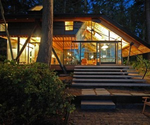Sneeoosh Cabin in Puget Sound by Zeroplus Architects