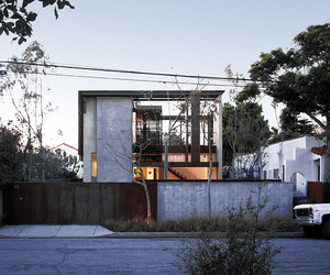 Solar Umbrella Residence by Brooks + Scarpa Architects