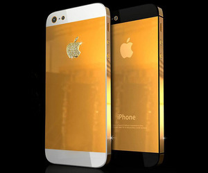 Solid Gold iPhone 5 by Stuart Hughes