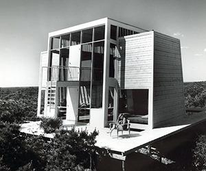Spectacular Beach House Design
