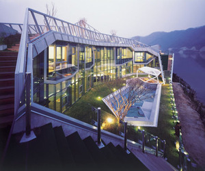 Spectacular Island House along the Han River