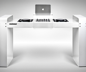 Spin Age DJ Workstation | by Hoerboard