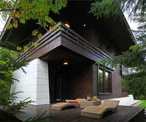 Splendor and luxury in a forest home