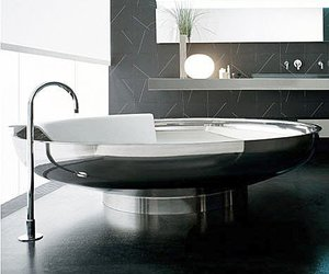 Stainless Bathtub by Agape