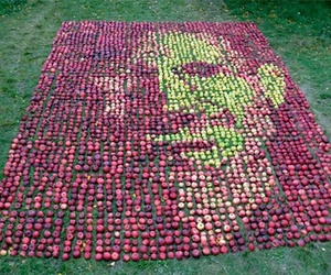 Steve Jobs Portrait Made Out Of 3750 Apples
