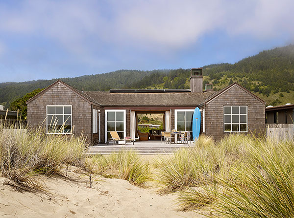 Stunning California Beach House Inspired By The Horizon: Stinson Beach House By Butler Armsden Architects