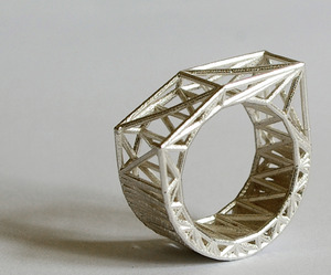 Structural Jewelry by Bits to Atoms