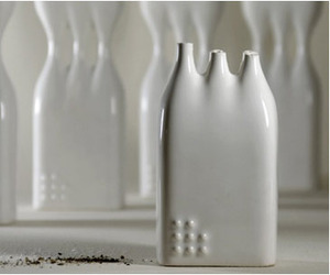 Studio Kahn | Fragile | Salt & Pepper Shakers