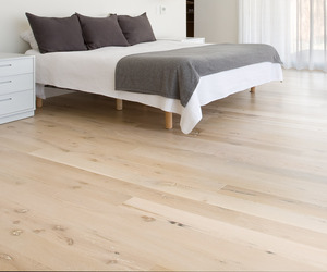 Stunning Hardwood Flooring From Reclaimed White Oak Timbers