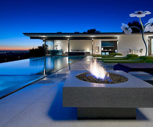 Stunning LA property with fascinating views