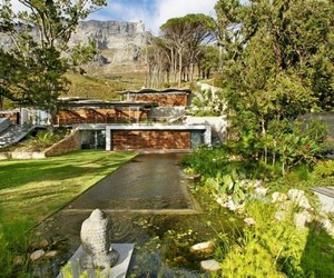 Stunning mountain retreat in Cape Town