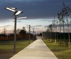 Sun Flower – A Solar Powered Streetlamp