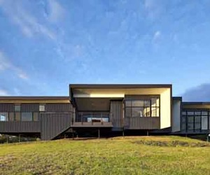 Sustainable Building Design of Bryden House
