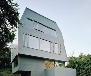 Sustainable Building Design of JustK House