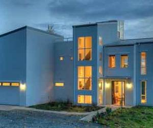 Sustainable Green Thomas Eco-House